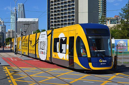 Testing Flexit2 tram, surfers paradise boulevard, March 2014; (c) by Bahnfrend (Own work) [CC BY-SA 3.0 (http://creativecommons.org/licenses/by-sa/3.0)], via Wikimedia Commons
